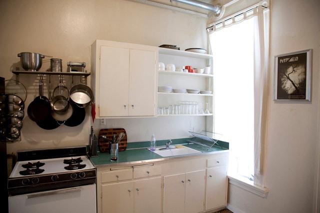 12-Noon   Kitchen