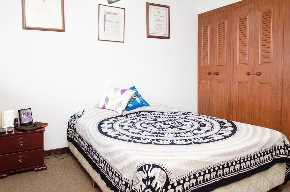 Great room in friendly family home!