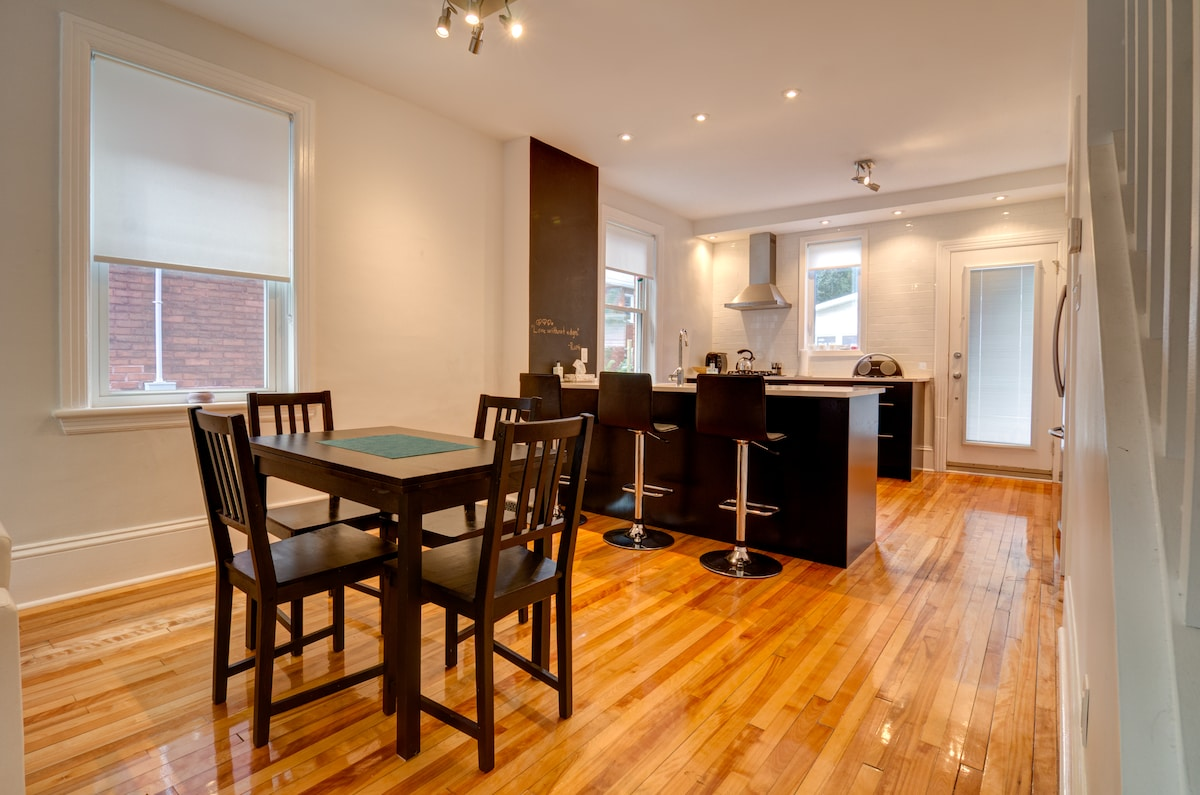 Kitchen table can be extended for more space.