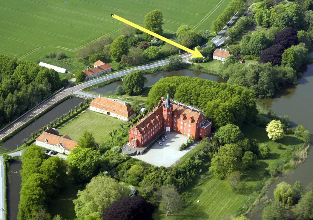 Luft foto af huset (og slottet)