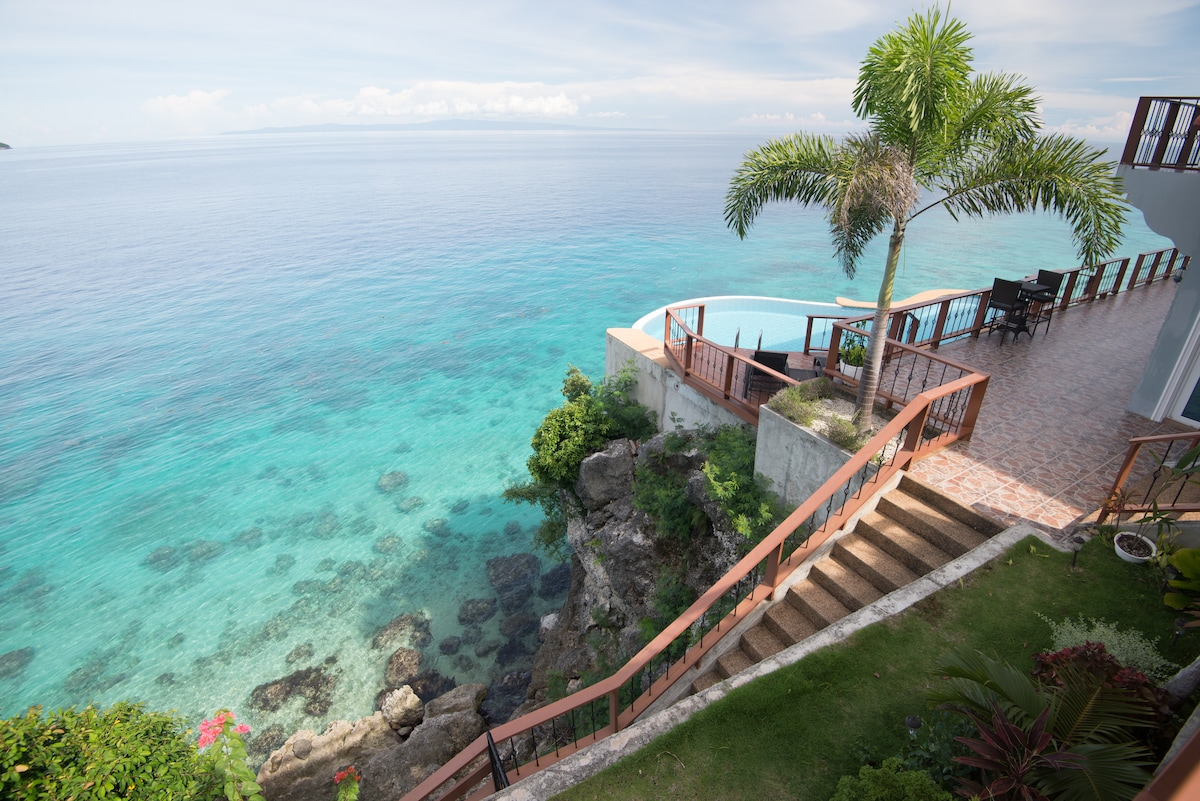 VILLA ON A CLIFF (Villa 2) CEBU