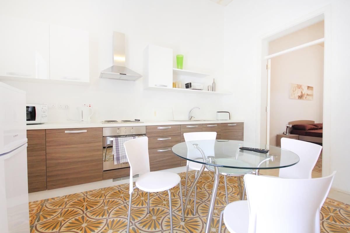 Valletta Apartment - Very Central..