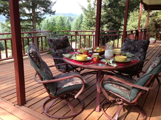 Enjoy a delicious continental breakfast in the outdoors on this luxurious deck.