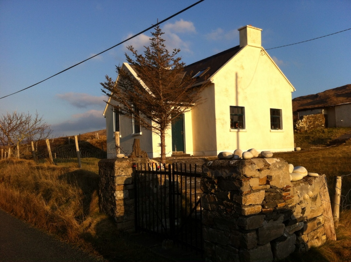 Old School House, Glencolmcille