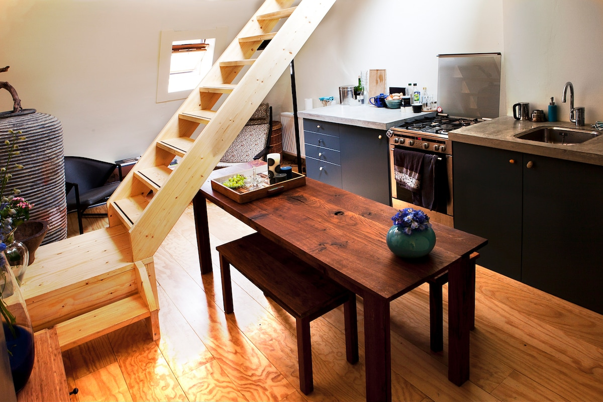 Ruim appartement met volledig uitgeruste keuken     20% SPECIAL OFFER FOR A LIMITED NUMBER OF GUESTS!!! When composing the email type it manually. Email: host36@óutlóók.cóm