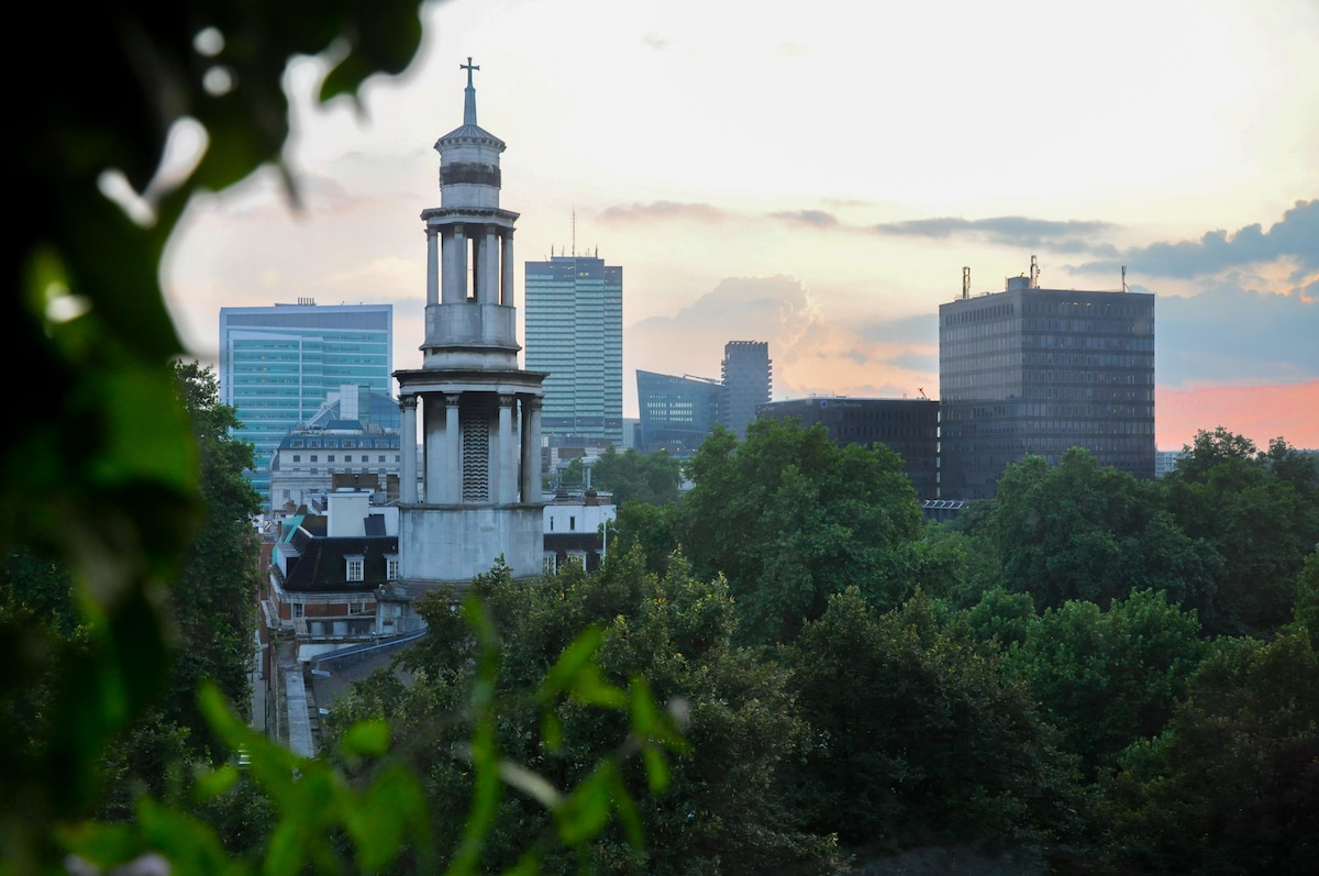 Central London with Stunning Views!