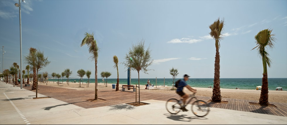 Room in front of the beach.Badalona