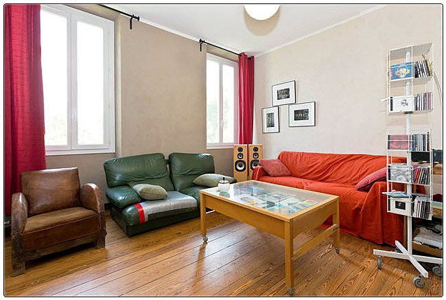 Nice little room in spacious flat