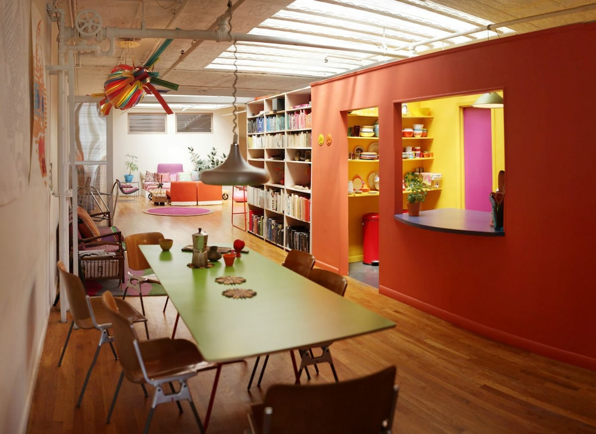 Bright & colorful nyc loft share
