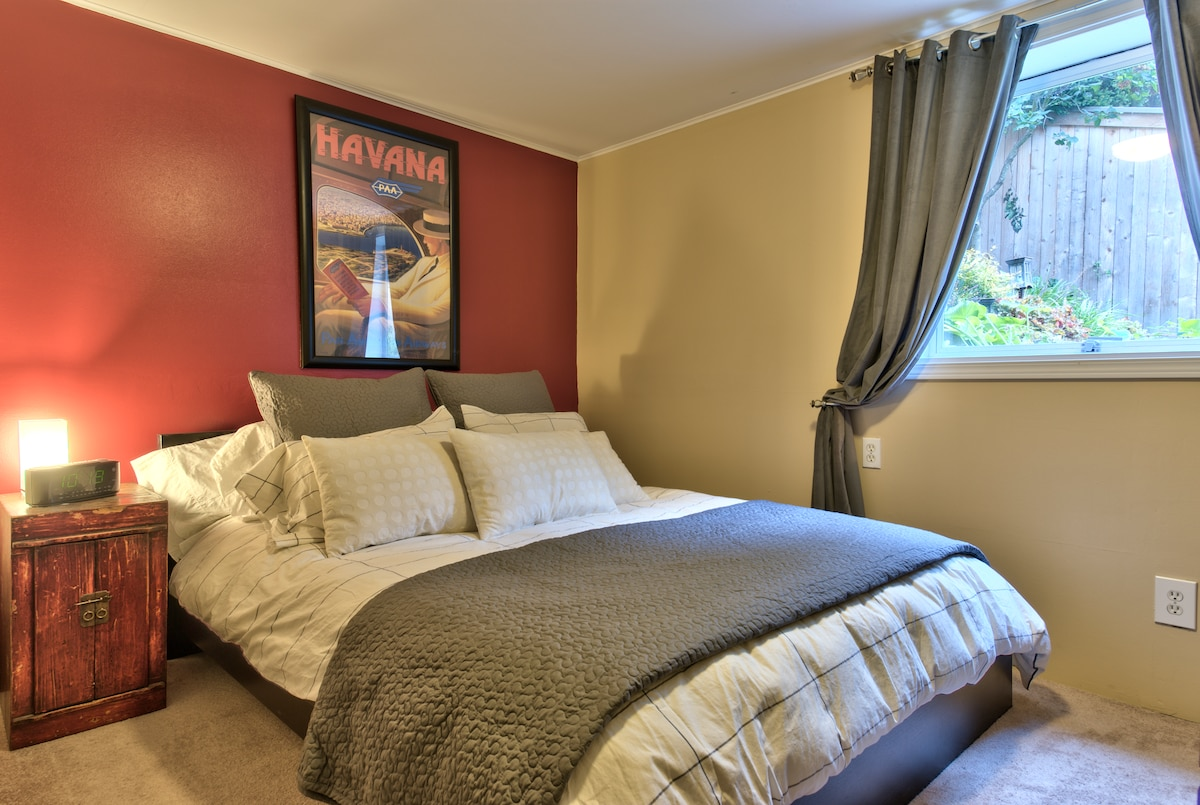 bedroom with comfortable pillow top premium bed and plenty of pillows (down and hypo-allergenic)