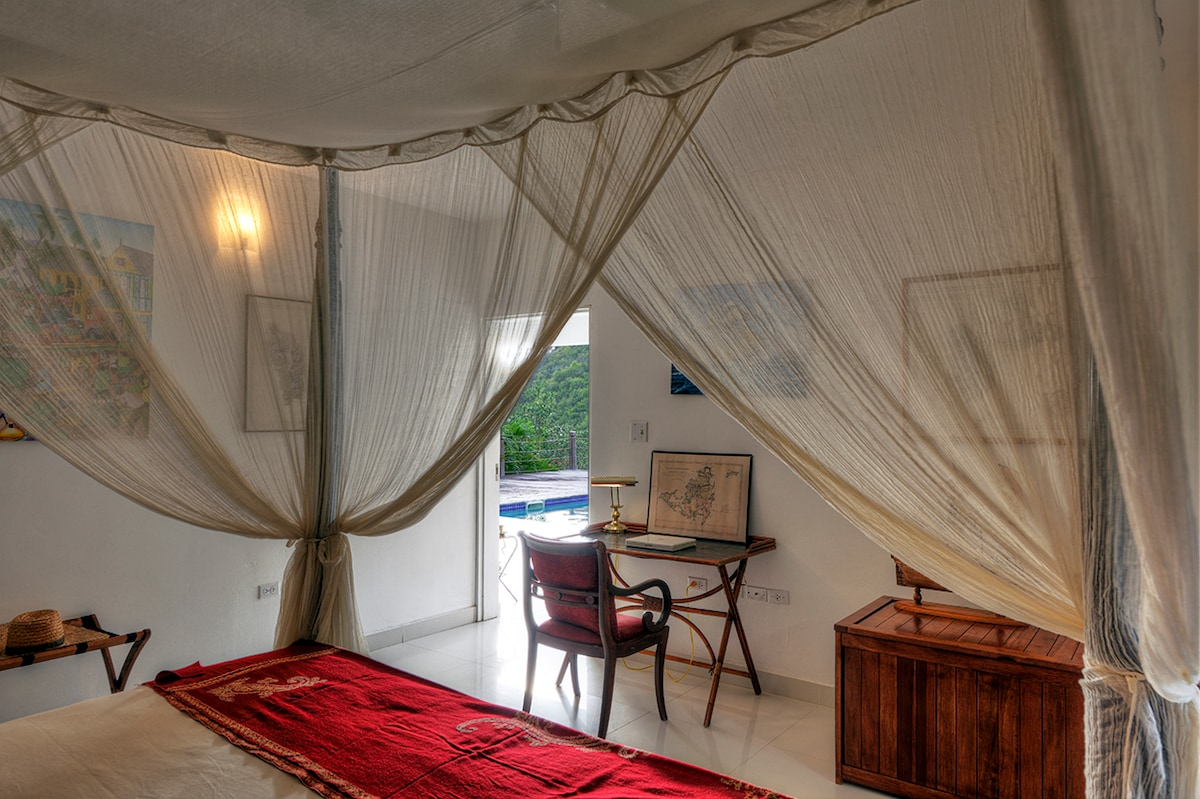 Pirat's kingsize bedroom
