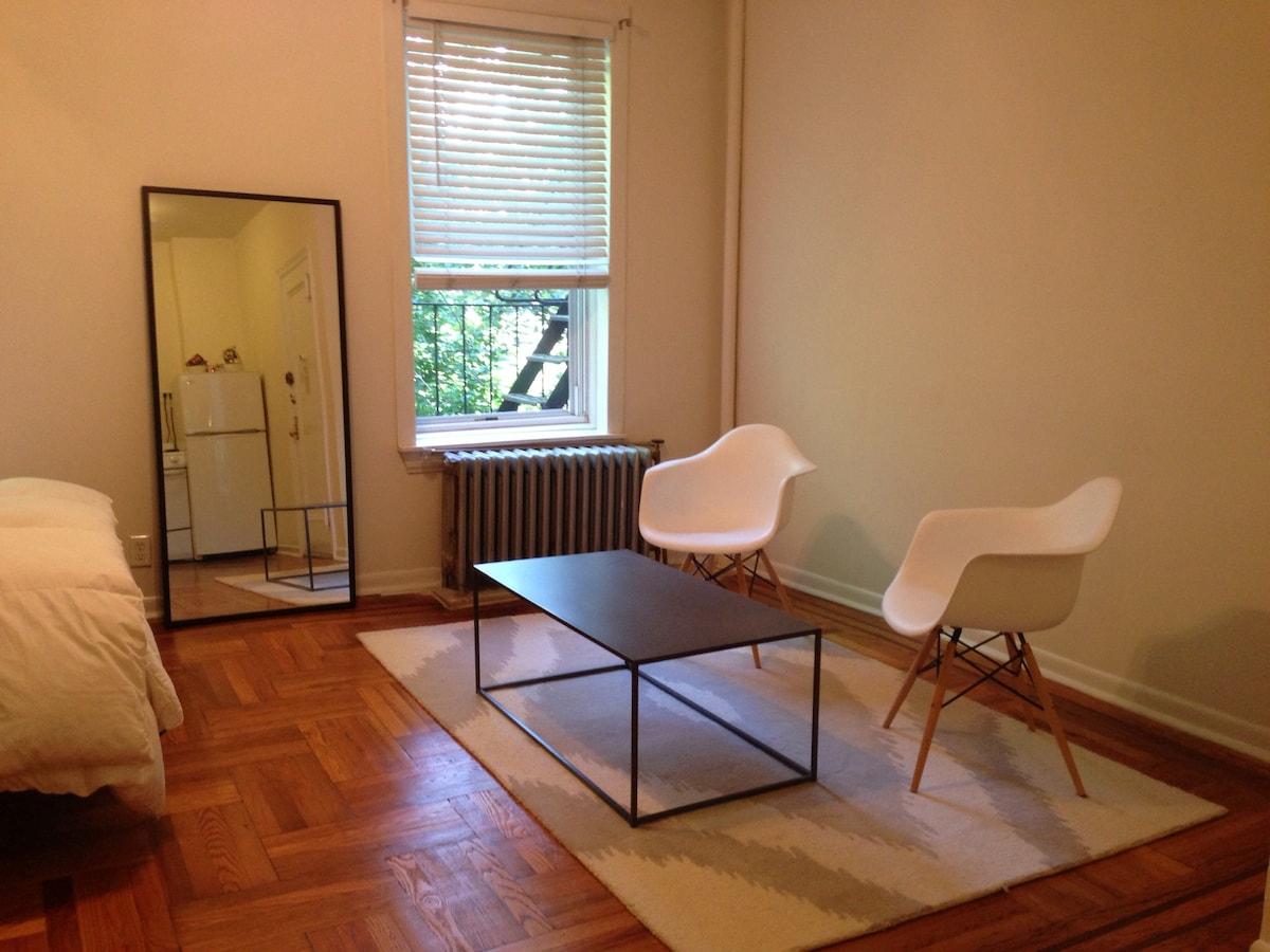 Quaint, beautiful studio Brooklyn