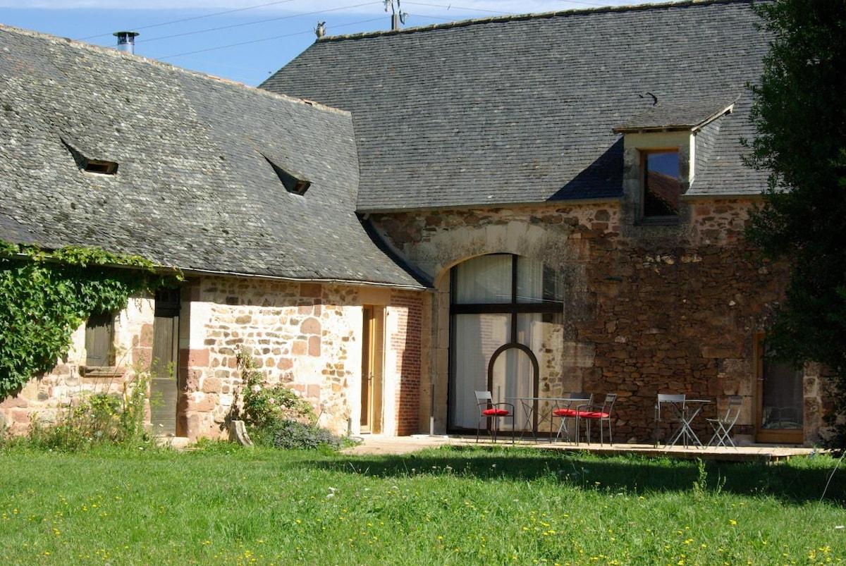 Maison dans les prés en Périgord