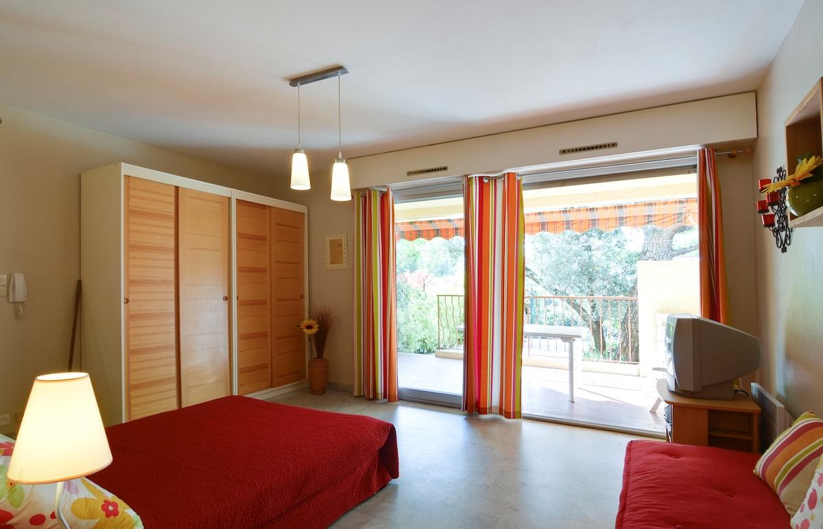 Cozy Studio on The Côte d'Azur