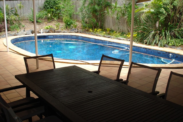 Swimming pool, patio, table for 8, clothes hangers, access to pool from rooms 1, 6, apt 1 and dining room
