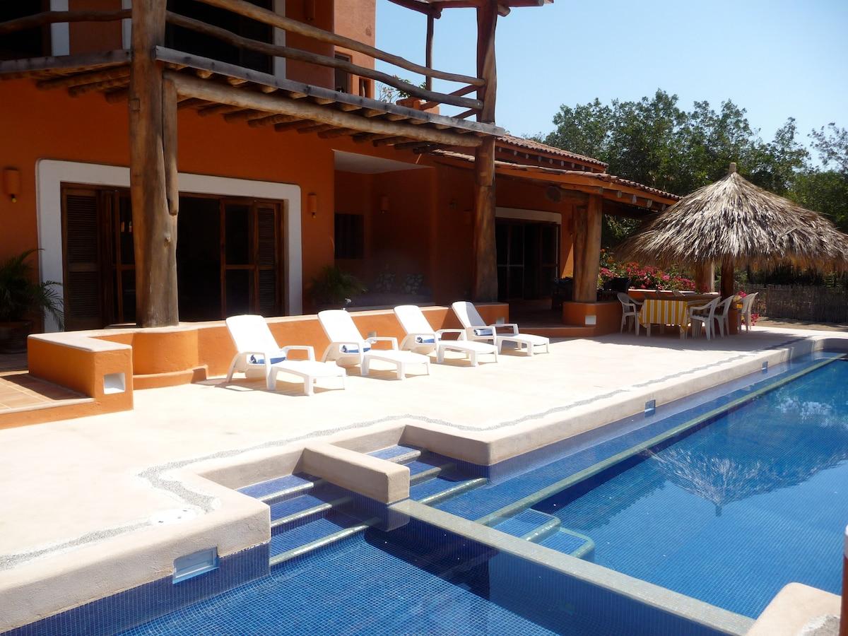 Large terrace for sunbathing.