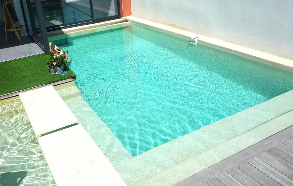 BB Swimming pool between Mtp- Sea