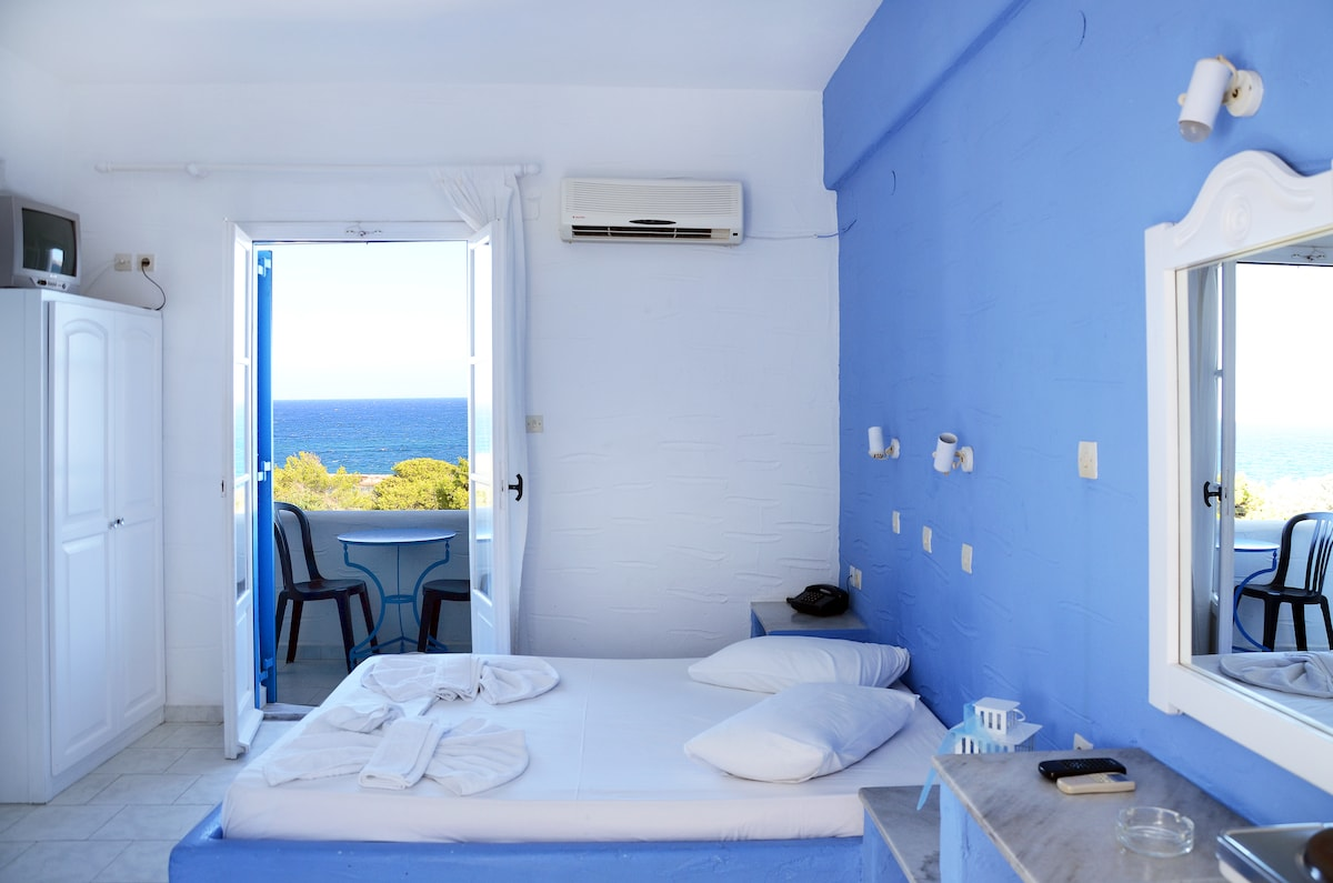 Sea View Studio for 1-3 persons