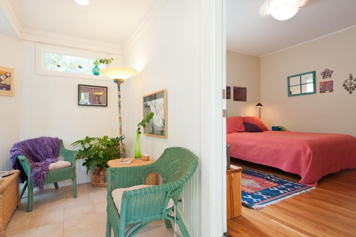 Private room w/own sunroom & bath