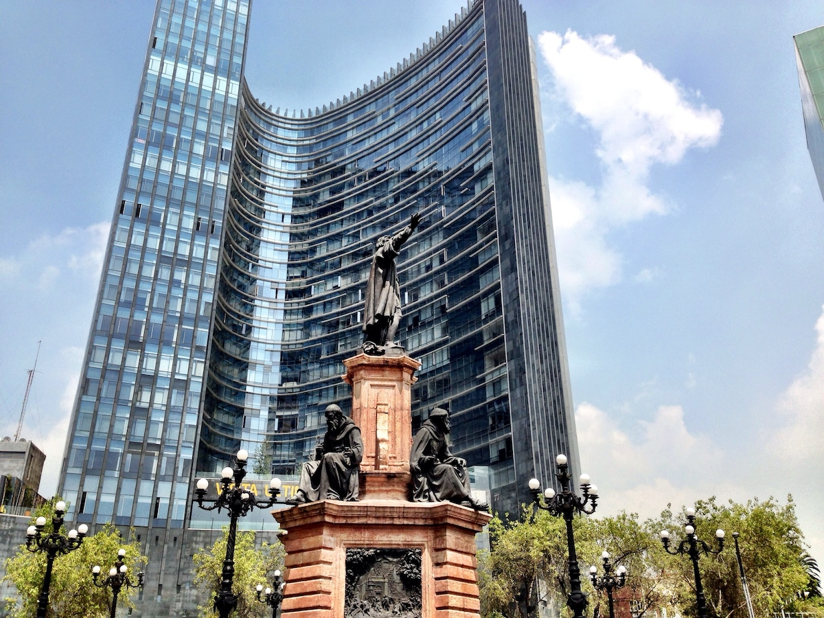 Best building in paseo de la reforma, stay in this expensive apartment only for a little $ , is very close to everything! Safe and all amenities includes!