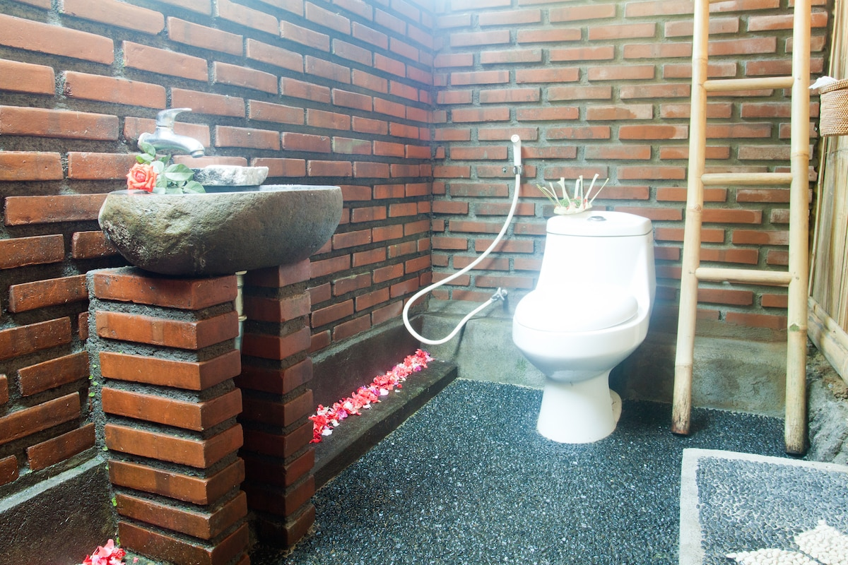 Full Private Western style Outdoor Bathrooms accompany each Cottage (Bathroom Type A).