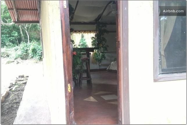 Puerta de entrada de la cabaña