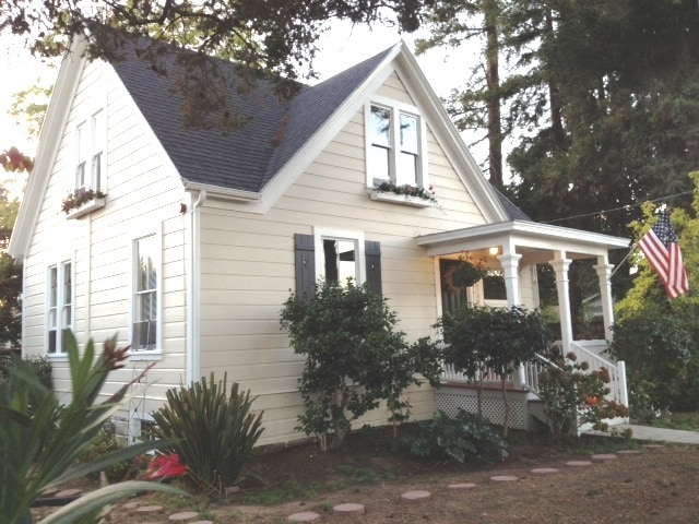 Welcome to the Main Street Vintage Farmhouse!