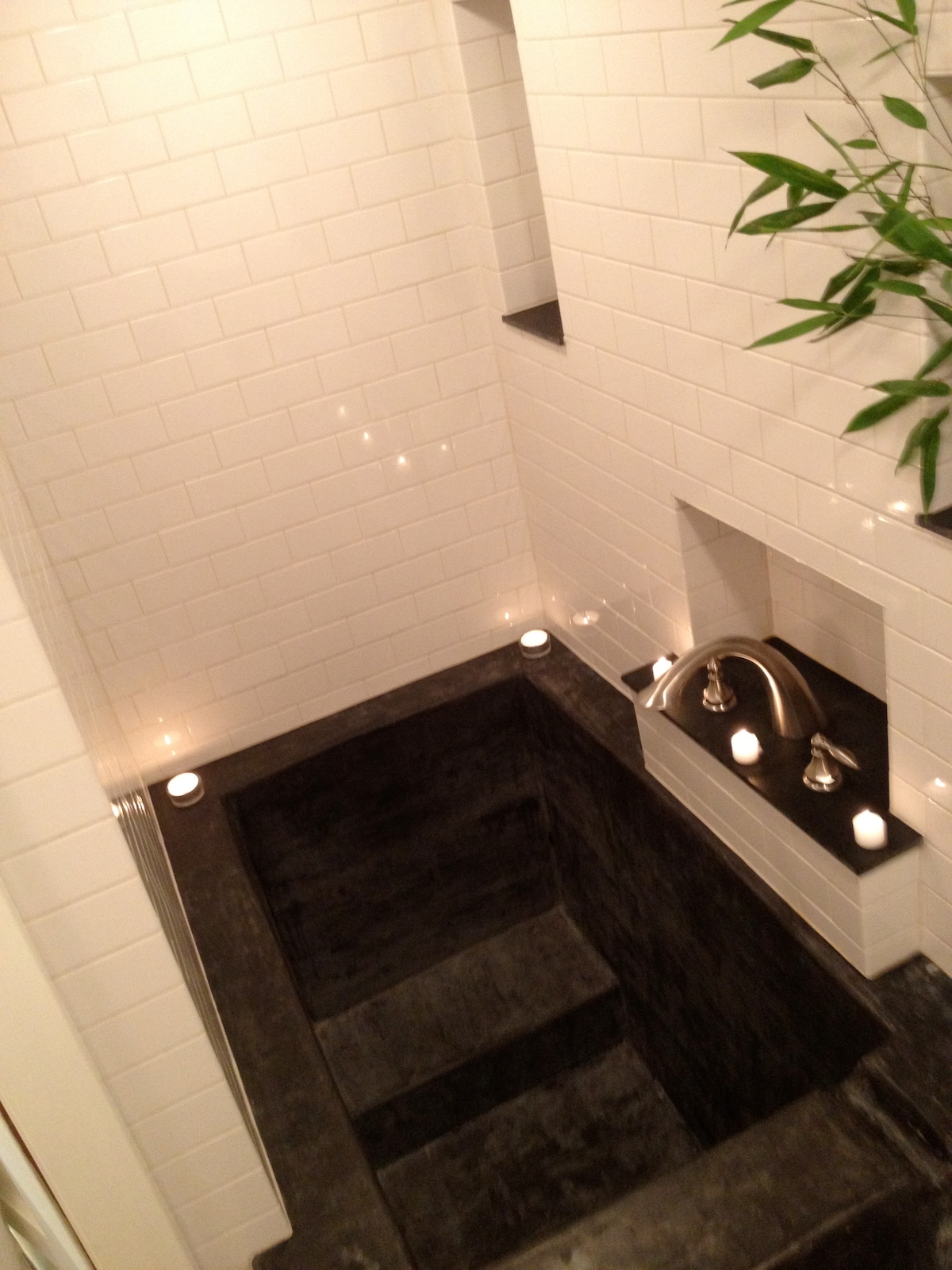 Soaking tub - overhead view - 4' deep and enough room for two!