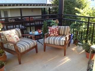 Intimate second-floor deck with views of Carter Mountain.