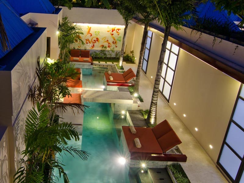 Bali Ginger Suites has three 1 bedroom Poolside Suites on one side of the pool and across the bridge is the 2 bedroom Poolside Suite. Plus there are two 1 bedroom Balcony Suites upstairs.
