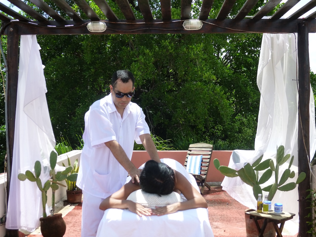 2 x 1 Massages by a Blind at Villa Maya Roof Top terrace