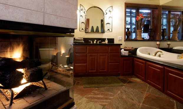 Enjoy a soothing jacuzzzi jet bath in your private en suite bathroom