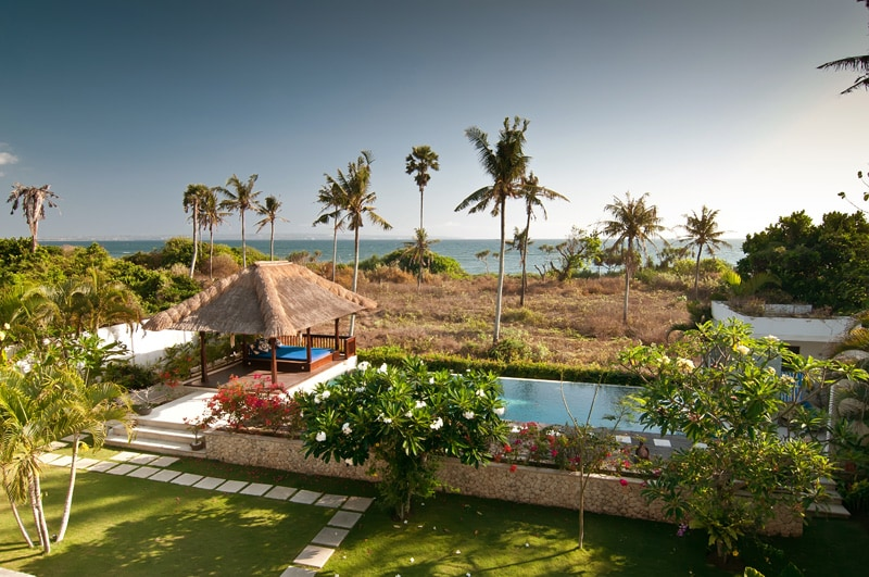 Breathtaking views, stunning sunsets, front line to beach - direct beach access by side of pool!