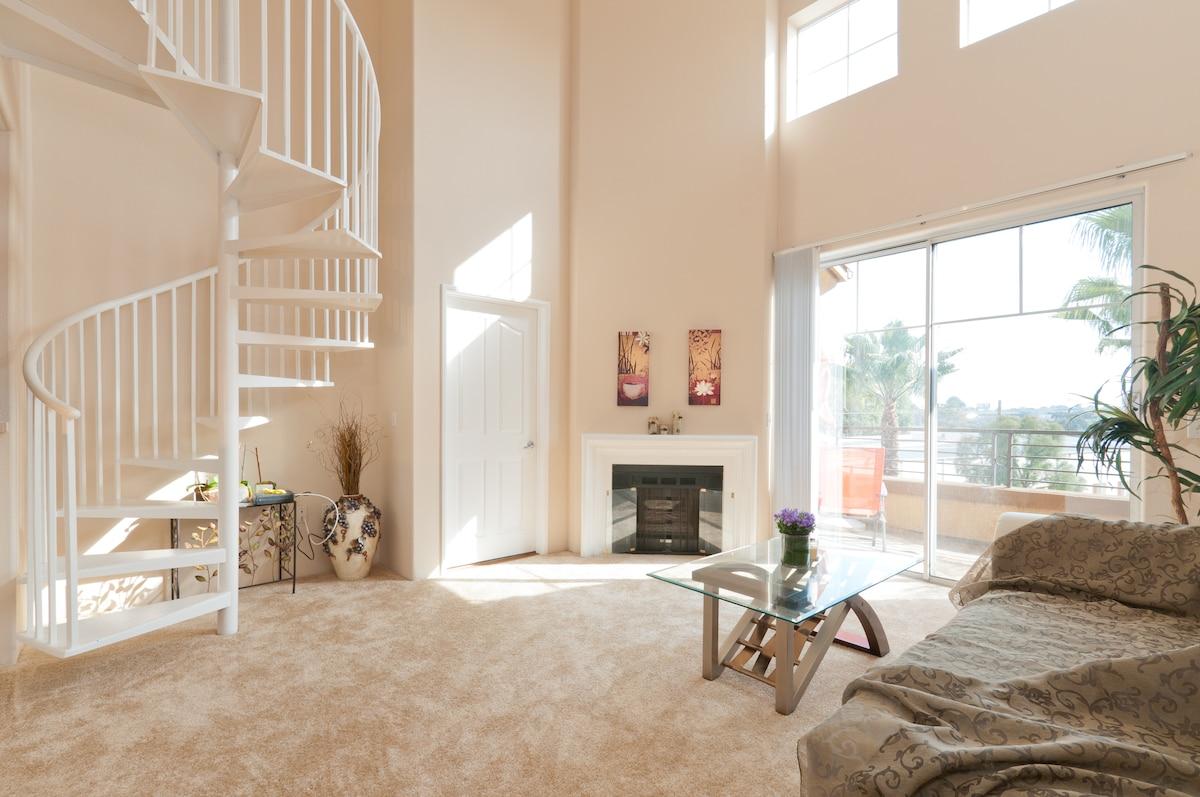 Private Room, Fantastic Amenities!