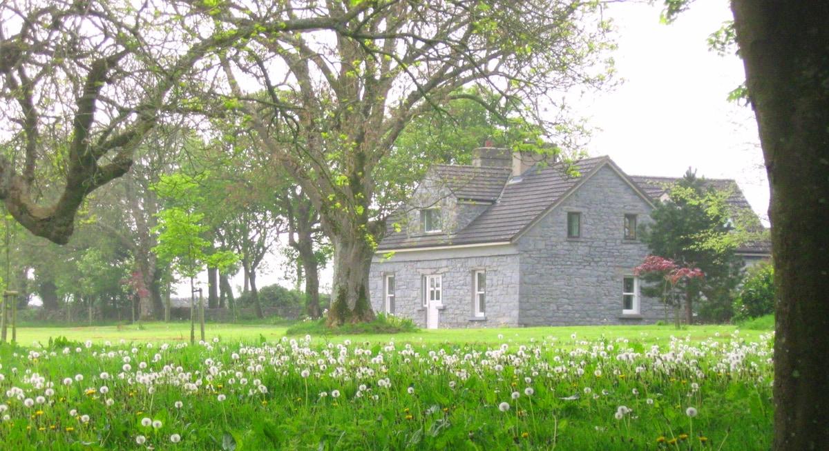 Bayfield. 5 bed luxury x-farmhouse