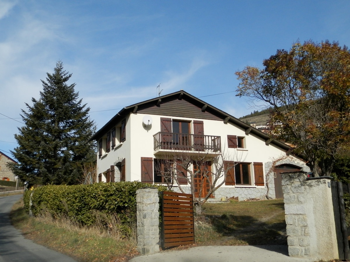 Spacious comfortable home, Cerdagne