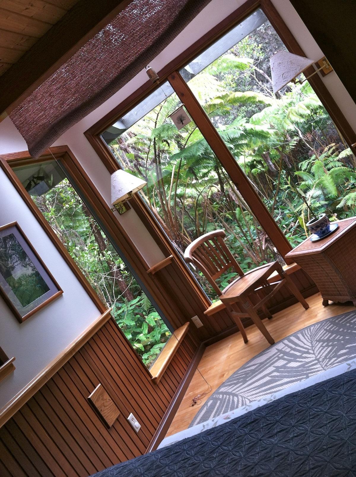 Makua Room - Rainforest Paradise
