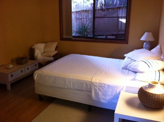Queen Bedroom/Own Bath/Living Area