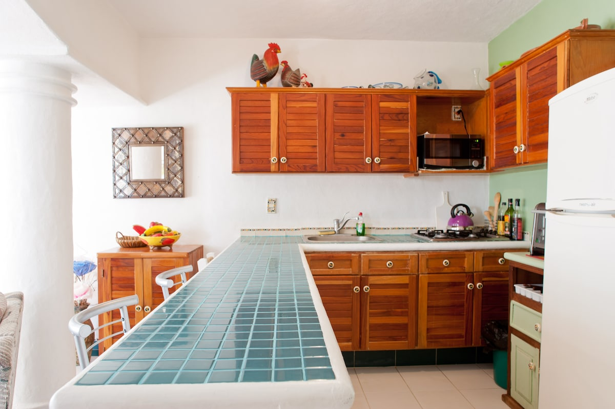 2 BED OCEAN FRONT Summer reduction