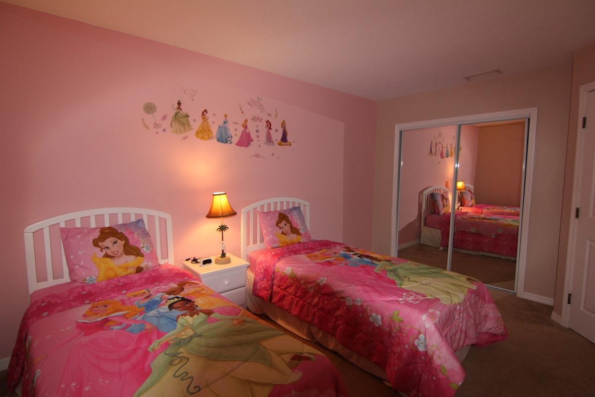 Gated villa, 5mi to Disney, WiFi 71