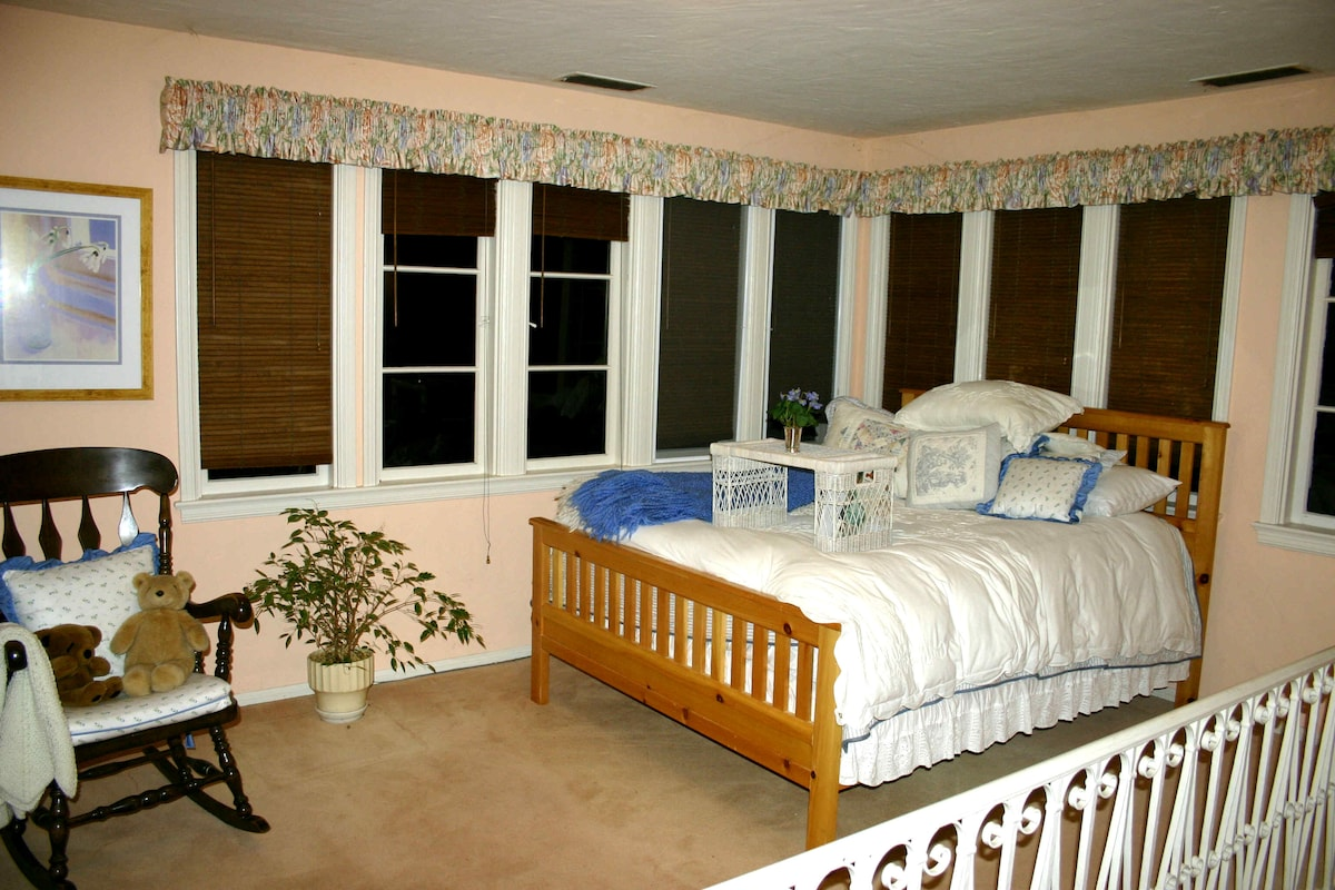 Guest bedroom, with nice views.