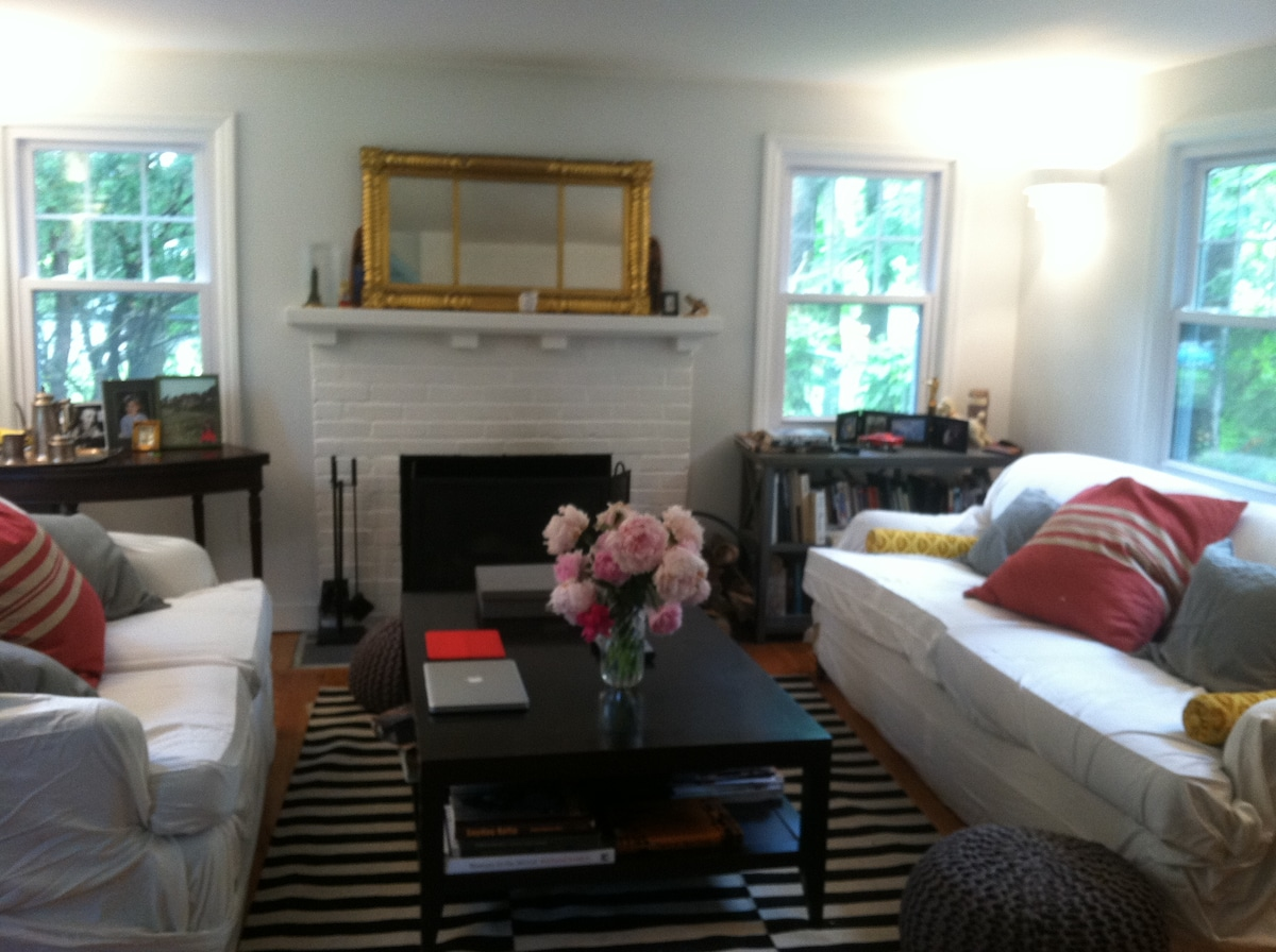 Chic and Cozy 2BD 1920's Cottage
