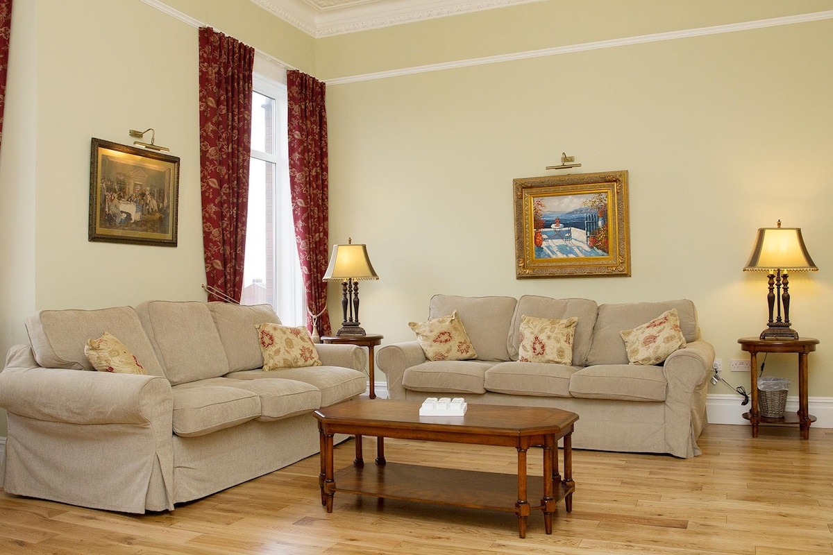 Living area with 2 pull down sofa beds
