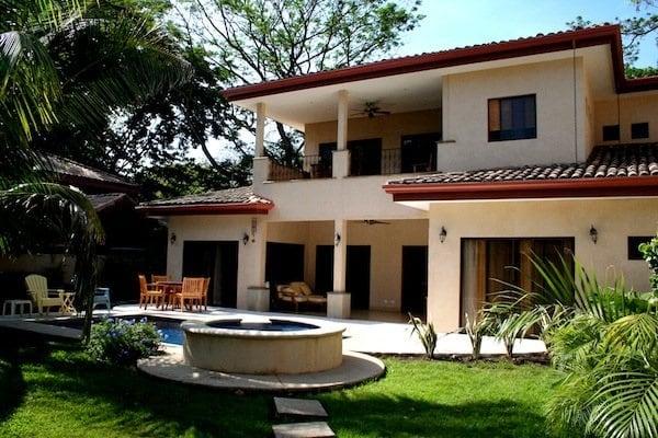 Casa Rana in Surfside, Potrero