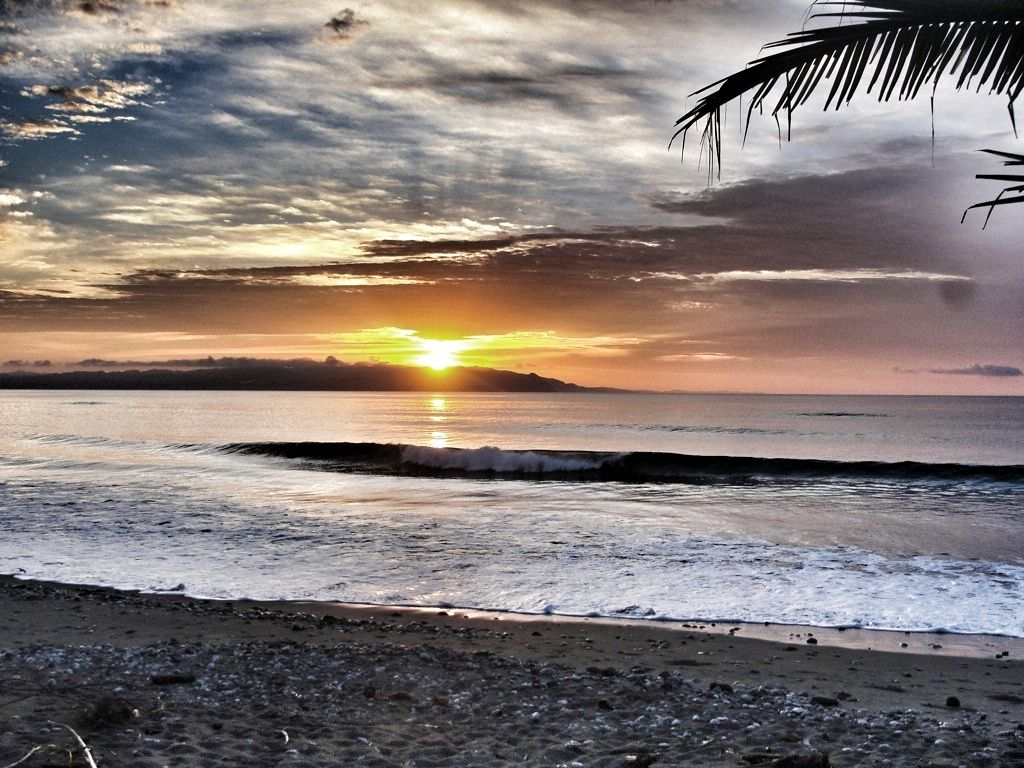Playa Sombrero - Sunrise over Panama. Your view at 5:30 in the morning. Every morning.