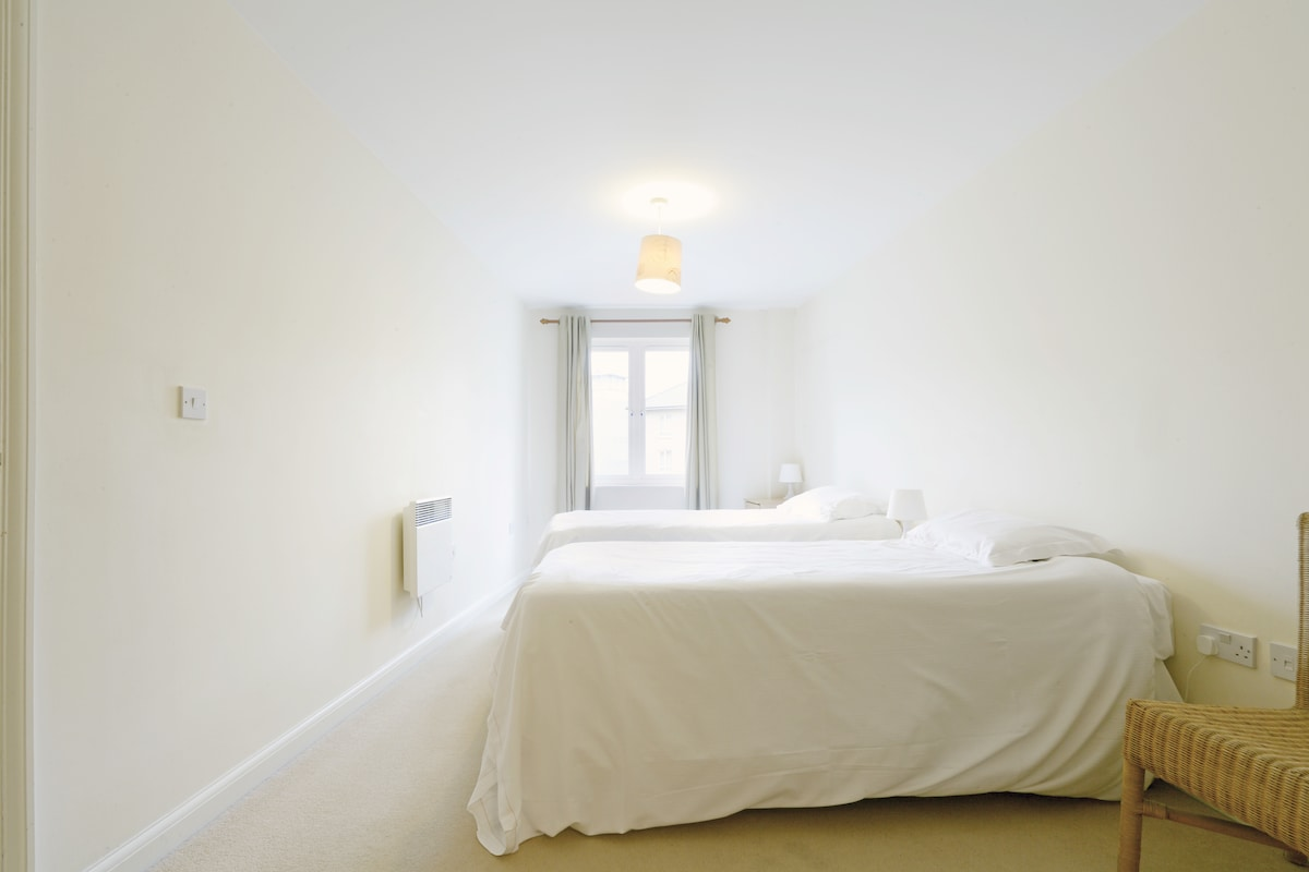 Apartment 3 Twin/Double - Beds are Interlinked With En-Suite Facilities