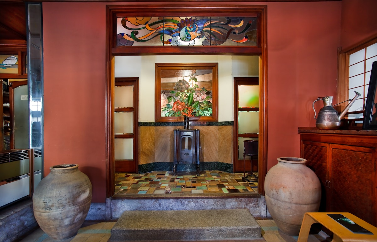 Entryway to the coffee shop and bar on the first floor