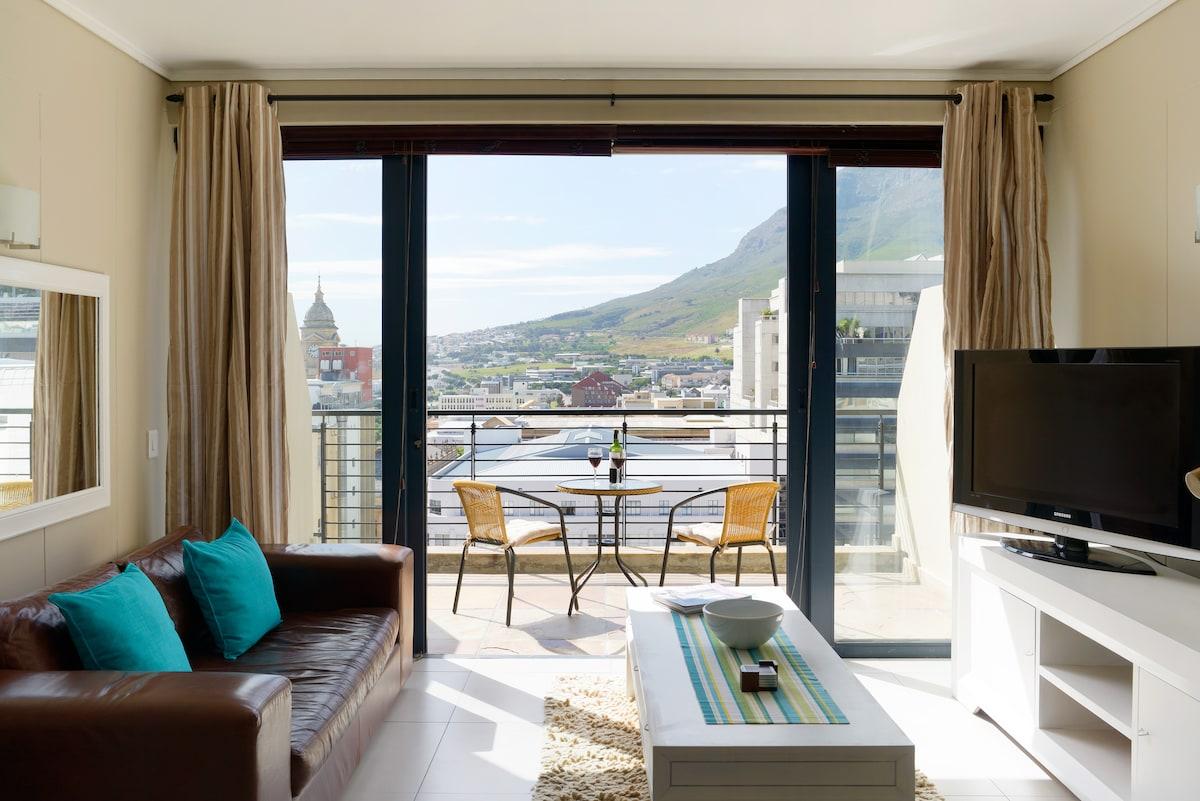 Cape Town Loft with Views
