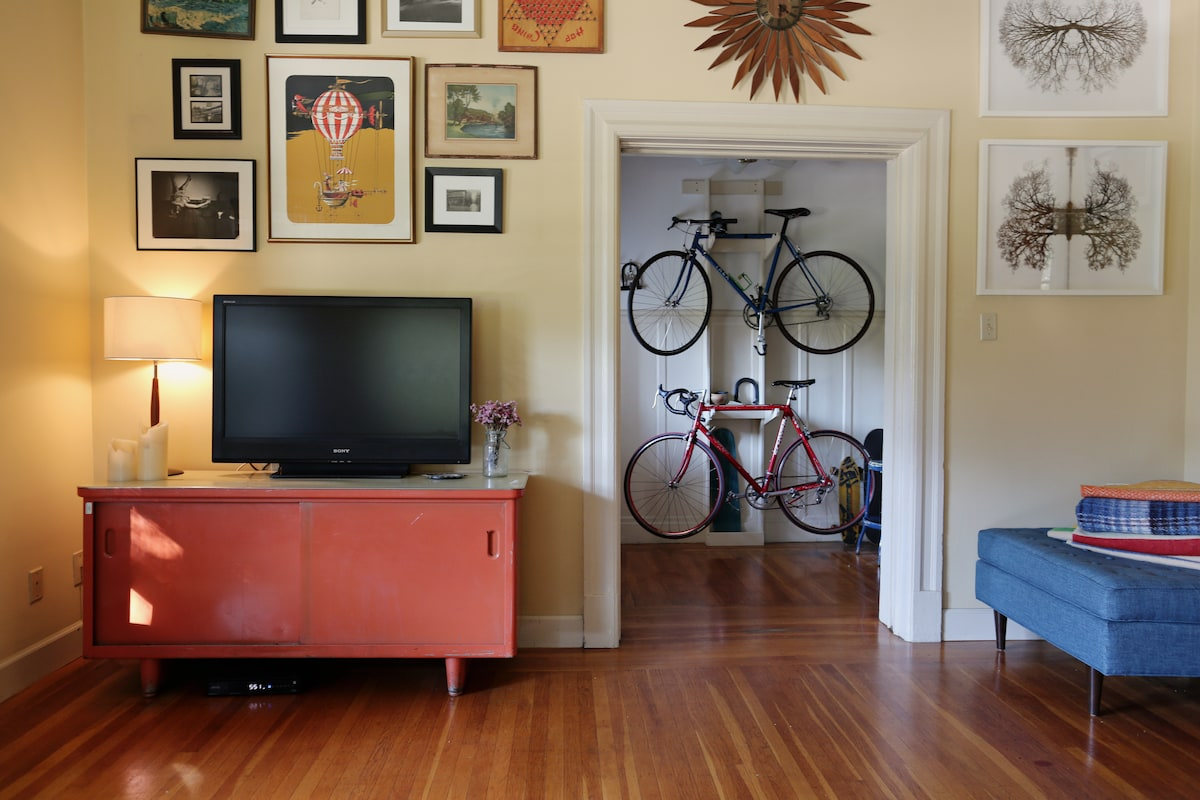 1500 sq ft awesome park side flat