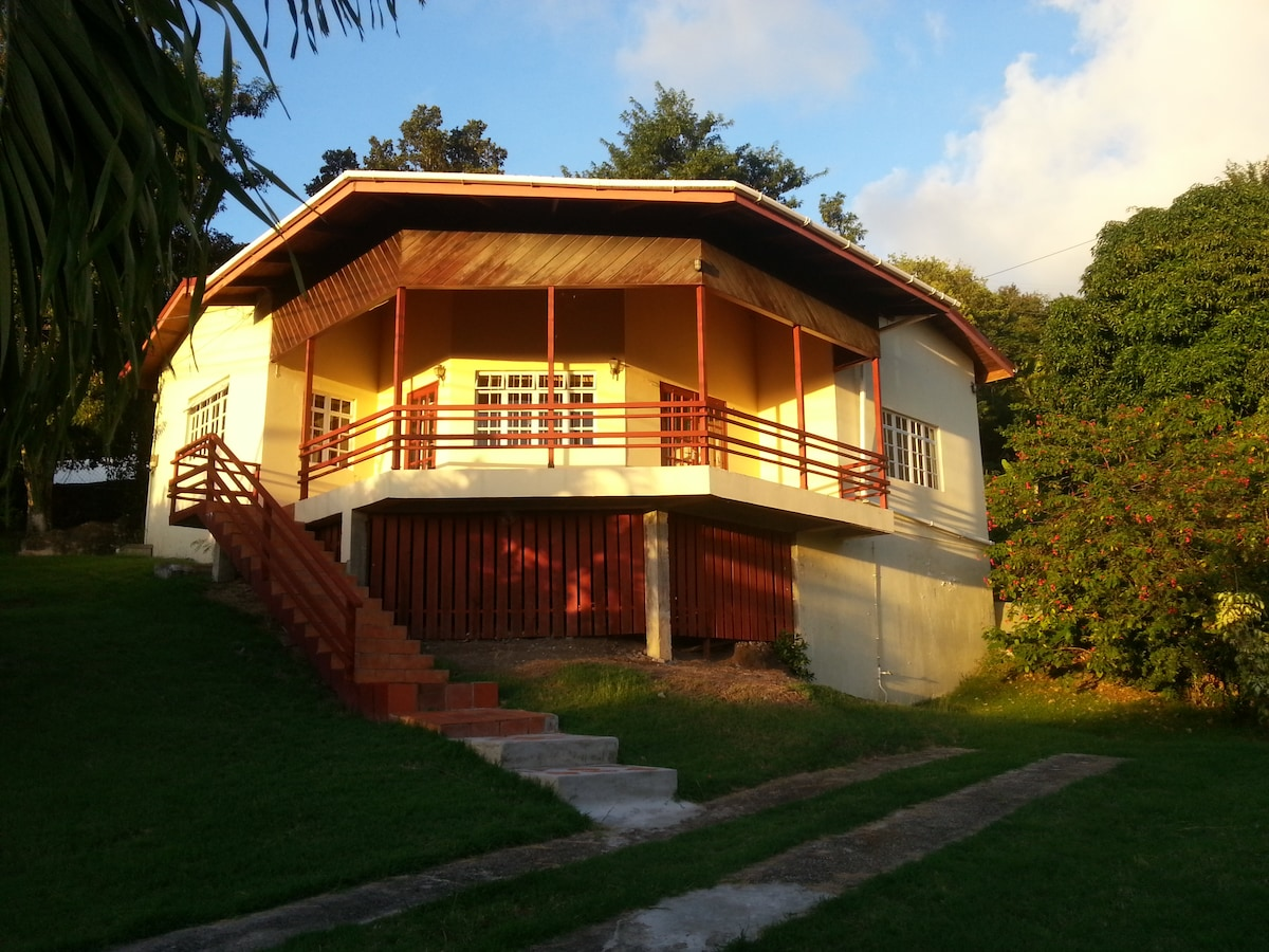 Tropical Caribbean Villa 2Bed/2Bath